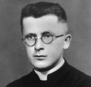 Bonifacio_sacerdote1