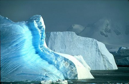 antarctica_icebergs